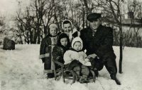 Sławomir Karpowicz: Sławek (child in the middle) with brothers Janusz, Mirek, Mother and Father